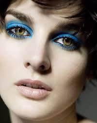 Синий цвет в макияже